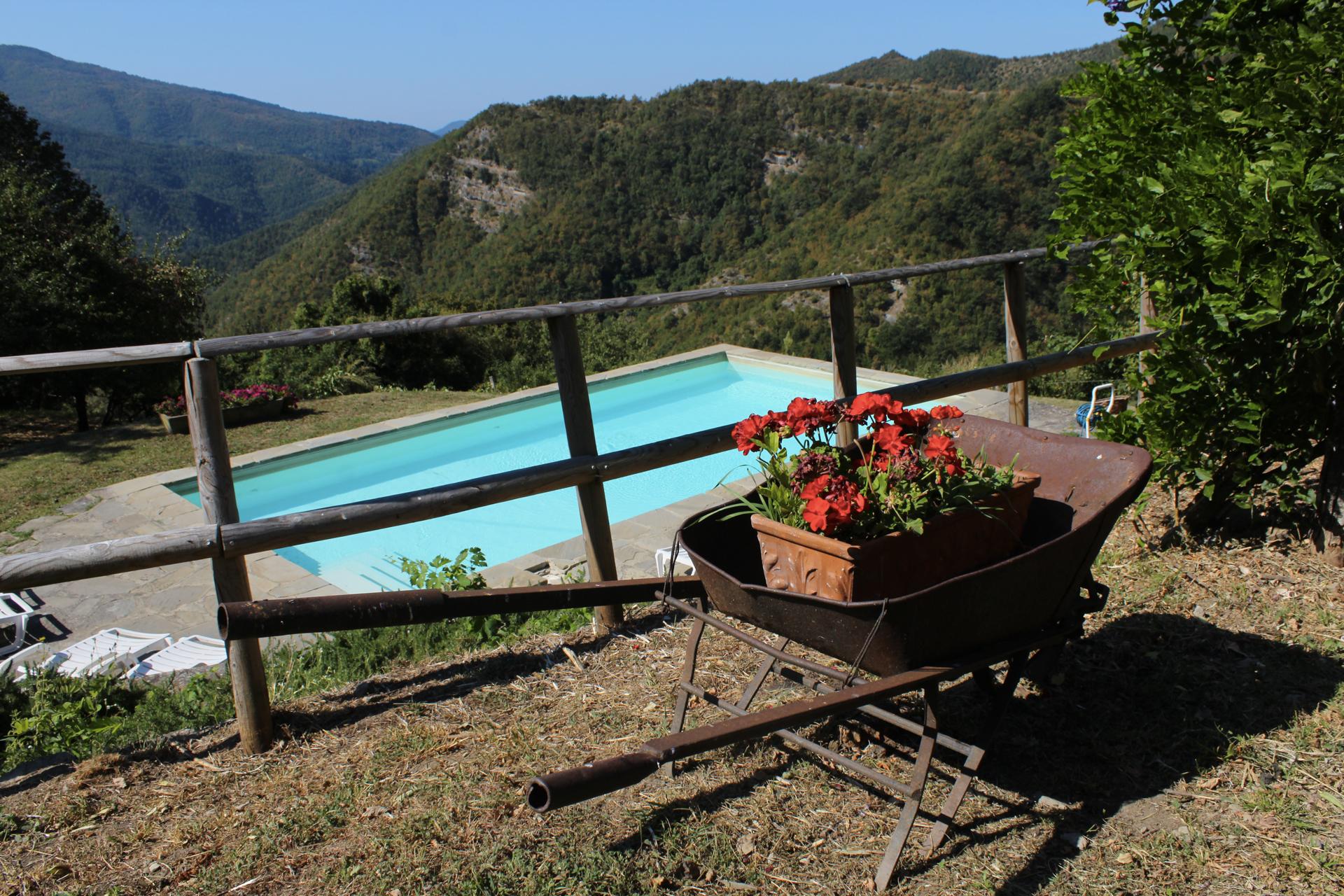 la vista sulla valle dalla Tenuta Mazzini